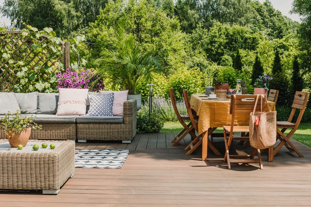 Čo všetko zvážiť pred kúpou záhradného nábytku